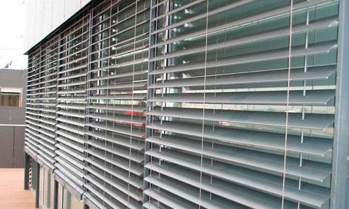 Cortinas venecianas aluminio exterior